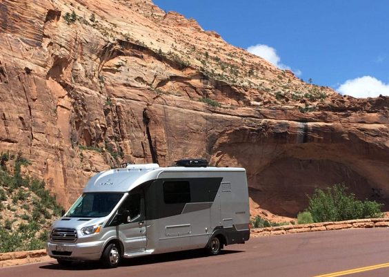 how to charge rv battery while driving
