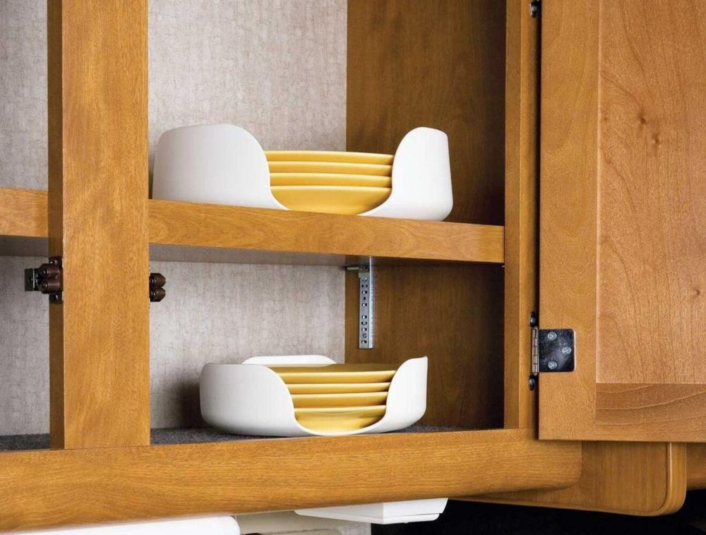Stack-A-Plate cutlery protector