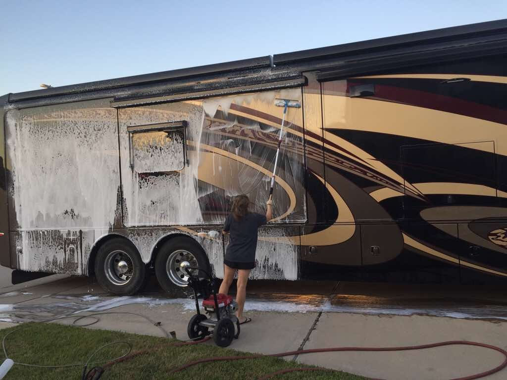 cleaning rv exterior