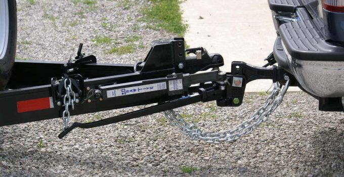 how does weight distribution hitch work