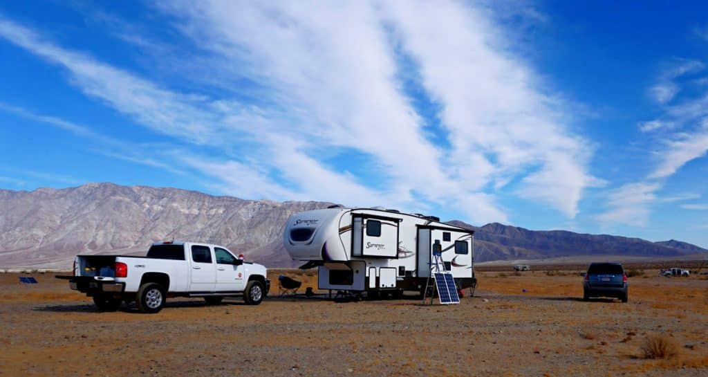 5th wheel vs travel trailer towing comparison