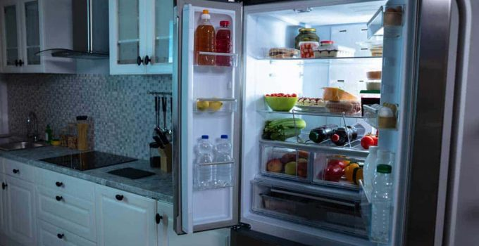 how does an RV refrigerator work