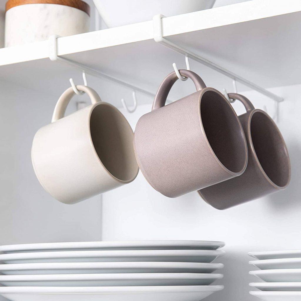 Under-shelf hooks holder