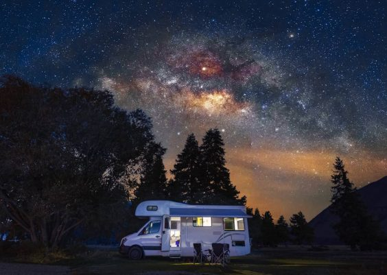 How much electricity does an RV use in one month