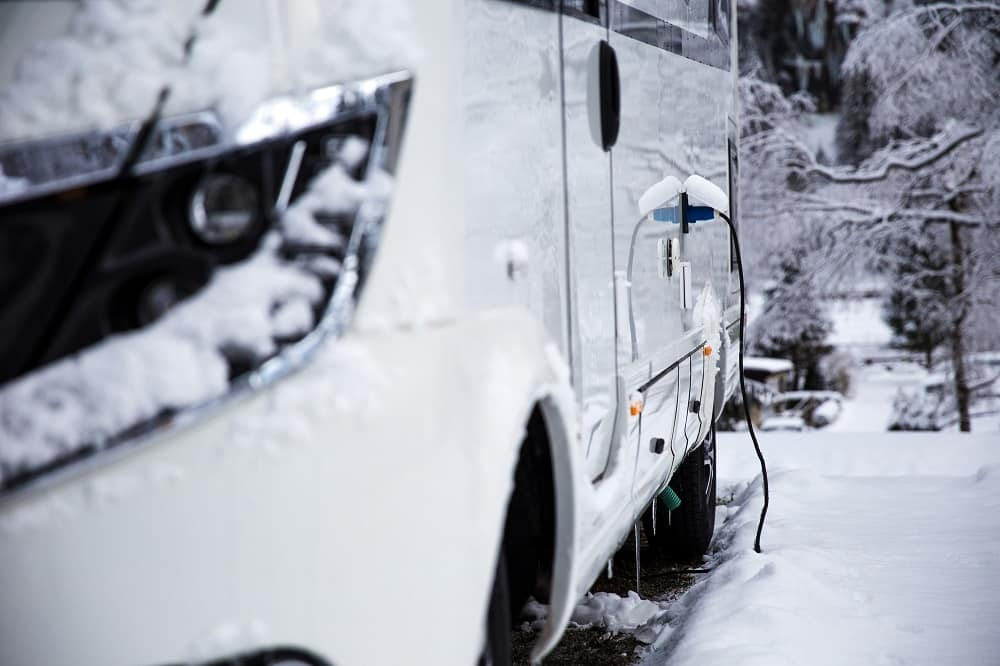 can you leave your rv plugged in all winter