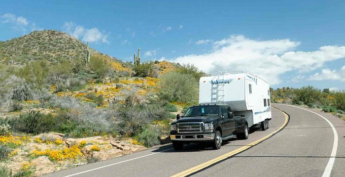 removable fifth wheel hitches