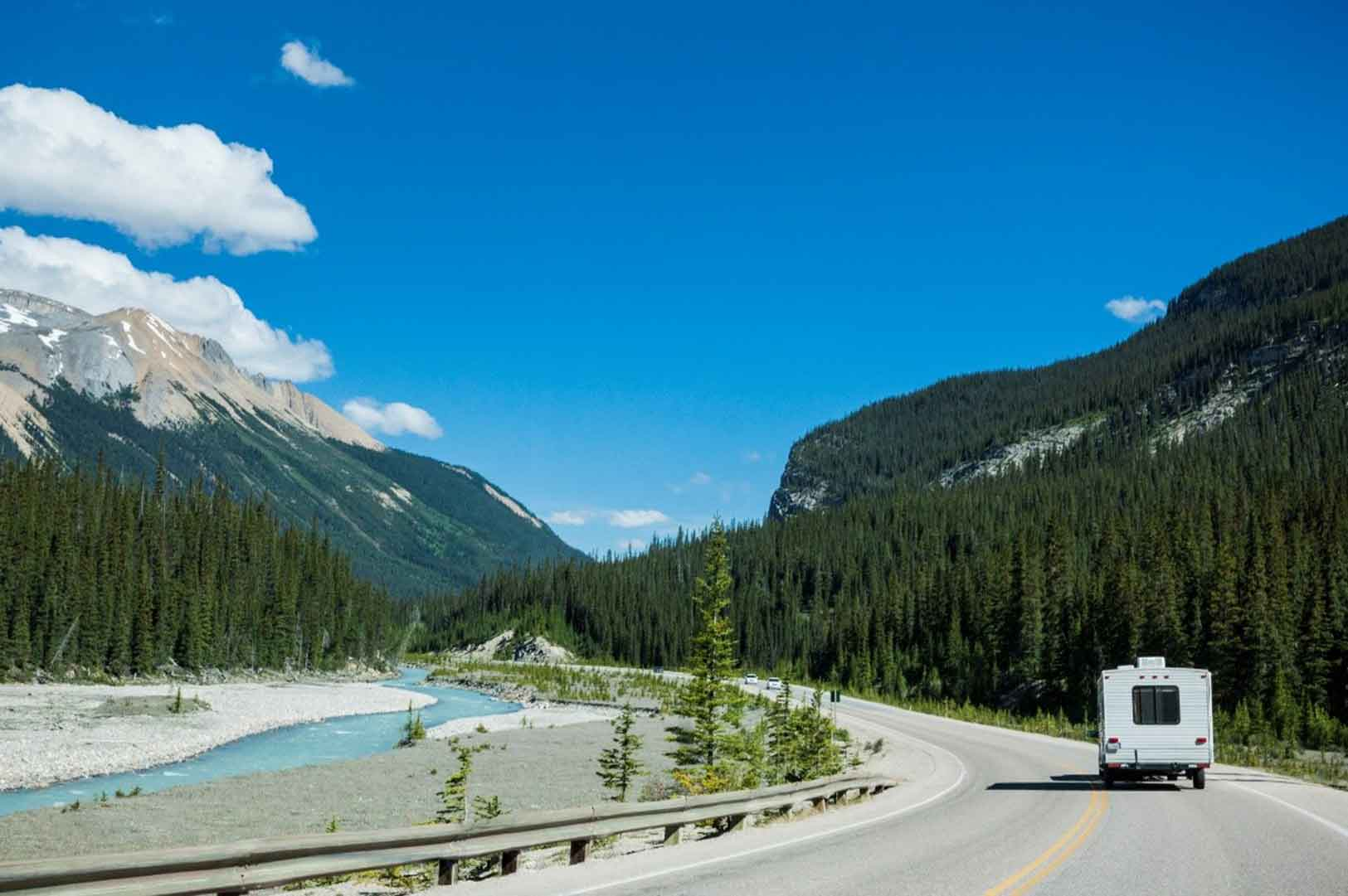 Buying A 4 Season RV? Learn These Important Features
