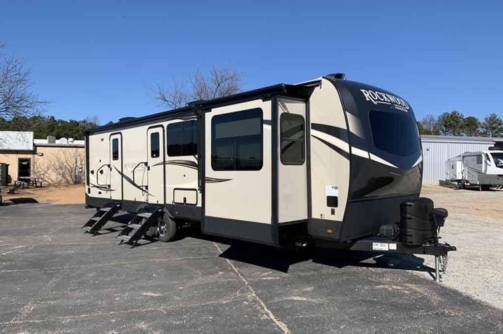 ightweight aluminum travel trailer