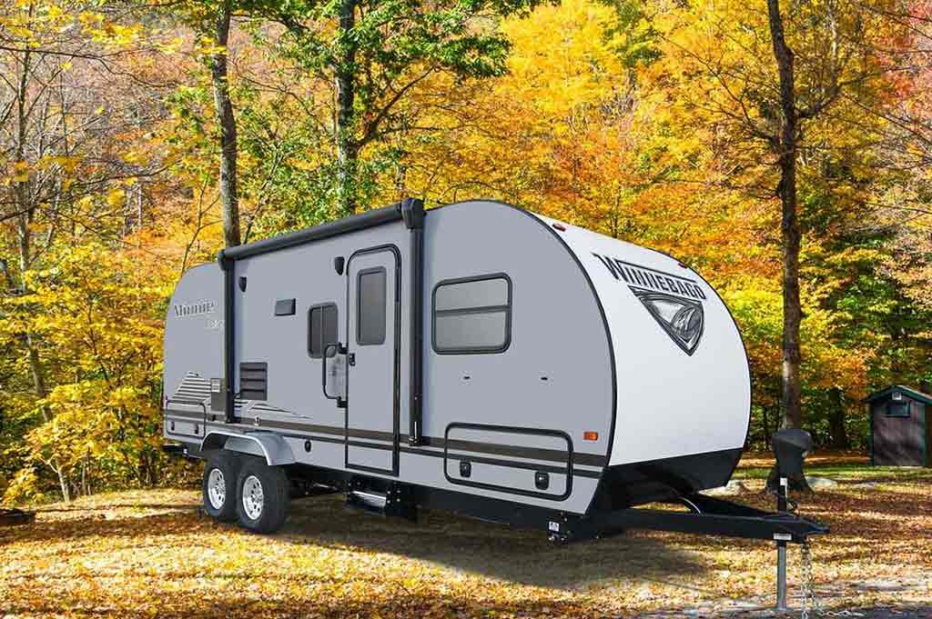 travel trailer with fiberglass roof