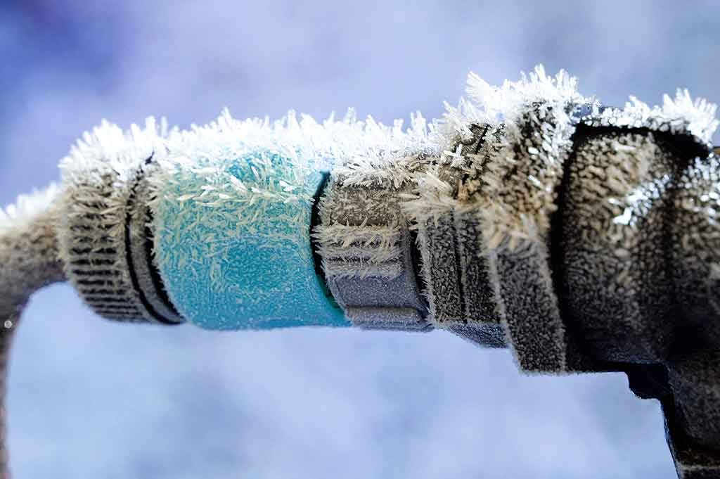 freezing rv water hose