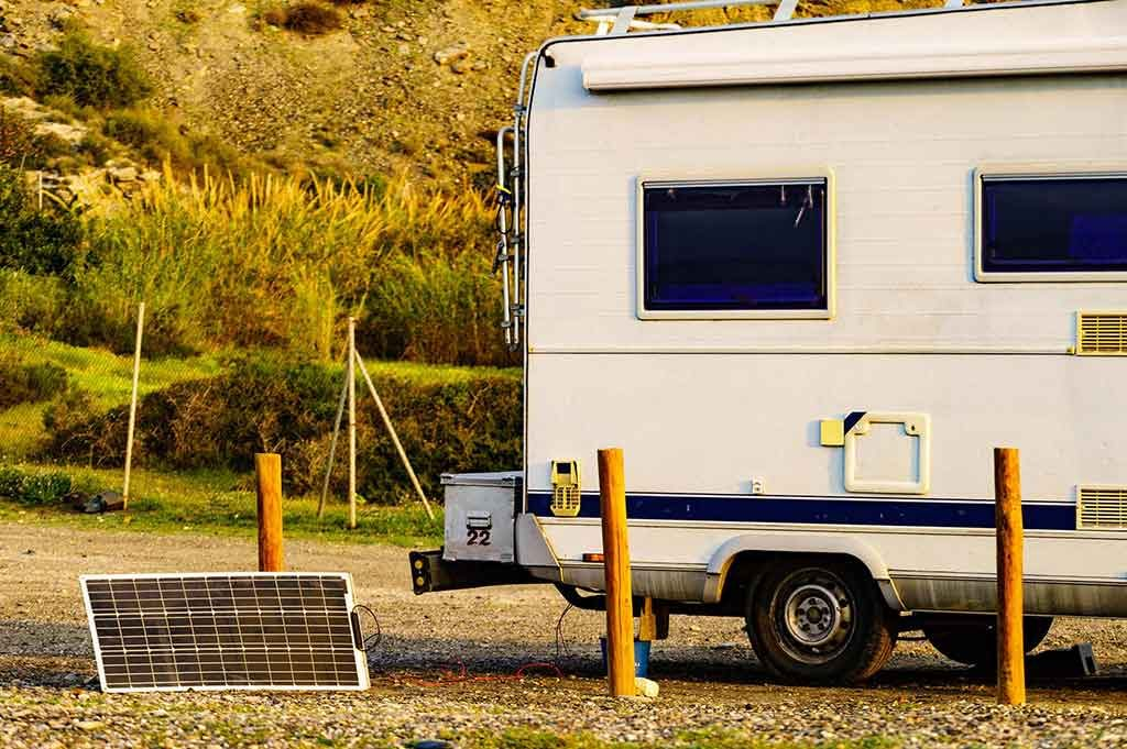 solar-powered battery charger for RV