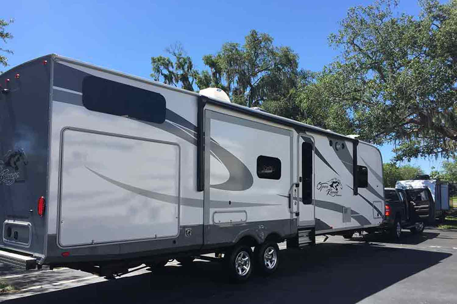 travel trailer with bunk beds